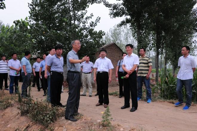 董志辉到西华扶沟督查土壤污染防治和周口环保世纪行工作